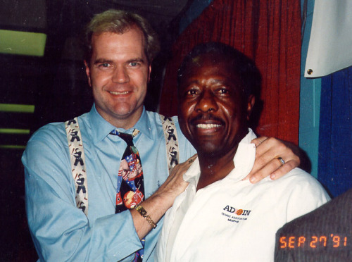 1991; Chet Coppock and Henry Aaron shoot the breeze in the basement of Old Chicago Stadium