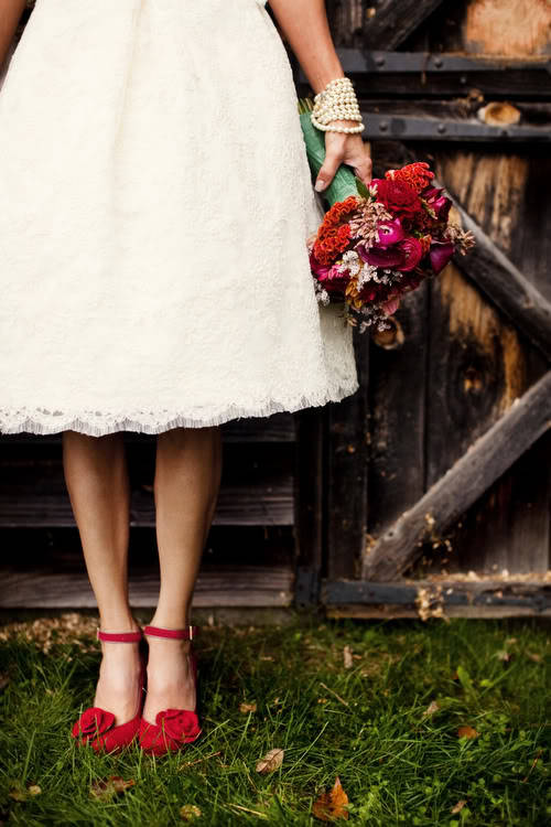 Handful of Treasures: Dress Details! {Elisabeth Millay}