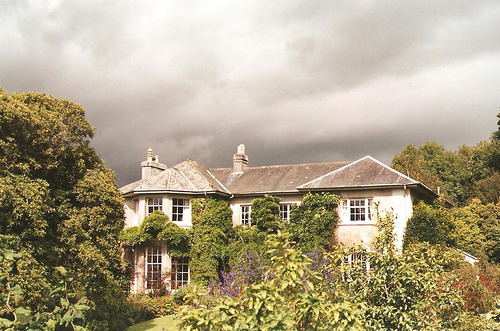 The Garden House, Devon captives:  vild:  (via shehowls)