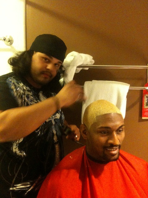 "Update on Ron Artest's ""Demolition Man"" look for tomorrow's game vs. the Magic. I hope he stencils a purple ""L"" in the middle."