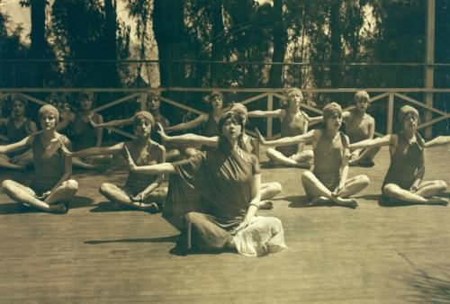 Ruth St. Denis and Denishawn dancers in Yoga meditation,1915