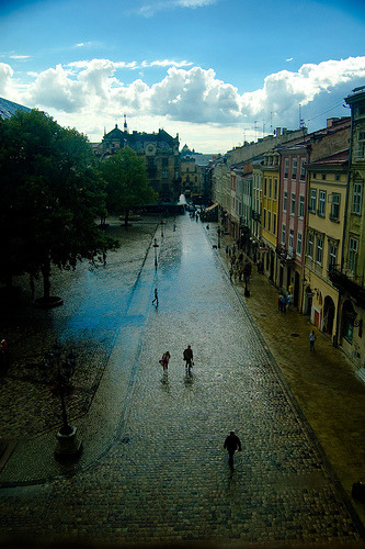 onebigsky:  Lviv, Ukraine  (via Z!KeepeR)