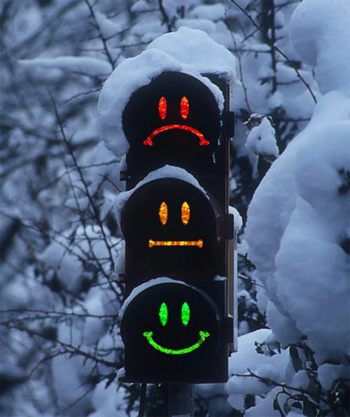 9gag:  Cool traffic light