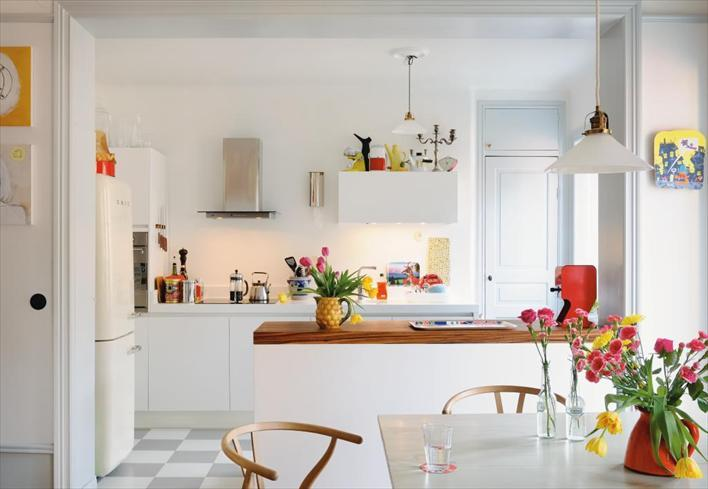 Kitchen in a home in Stockholm, Sweden. Photo by Johan Carlson for Hus & Hem.