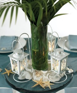 via www.canadianbridal.ca Trying to find inspiration for my centerpieces… loving these lanterns!