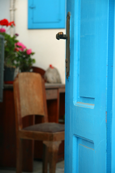 room269:  prettysimplelife:  turquoisetulipsandbliss:  Turquoise Door Tuesday thereisapapaya:  handa:  door that gives access to a life Photo | TrekEarth