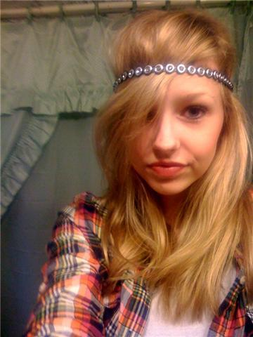 other new headband, kind of a gay picture of me, but whatevarr.