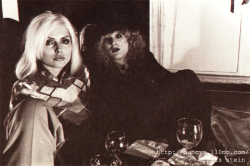 lookingforstarlight:  Debbie Harry and Nancy Spungen