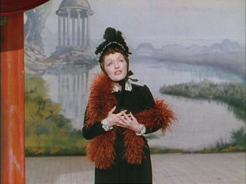 The great Edith Piaf in French Cancan (1954, dir. Jean Renoir)