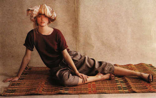 rosemarygeorge:  leilagrace:  british vogue 1981 styled by grace coddington
