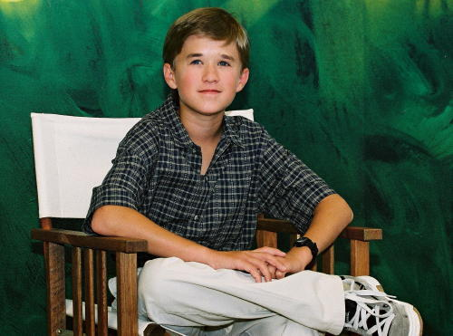 Before becoming an actor, Edward Norton worked briefly as Haley Joel Osment.