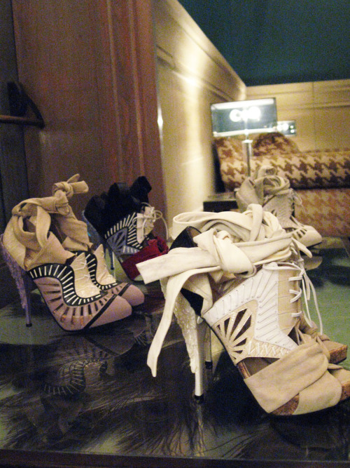 juliabunny:  Nicholas Kirkwood shoes Soho Grand Hotel – March 23, 2010 (via GrandLifeNYC)