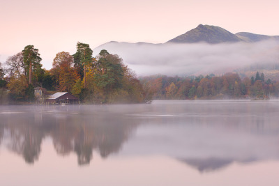 The boathouse in Derwent Water, Lake District, England© Adam Burton