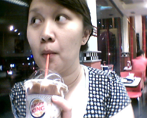 haha! with my latest favorite drink: Mocha BK Joe Frost. It reminds me of those fraps in Starbucks… but HEAVIER. LOL  Anyways, Me and dad became regular customers of Burger King because of their amazing Wifi connection + the FOOD! :D yum yum yum! :D and its our way of bonding, so.. LOL Happy Eating! :3