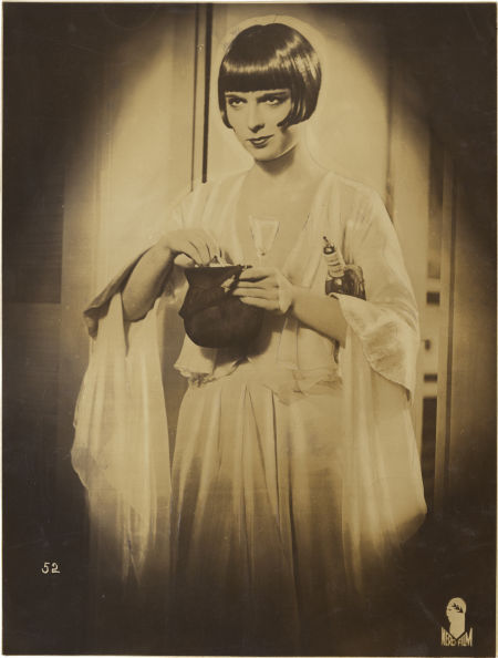 via billyjane e Louise Brooks in Pandora's Box,1929 [also in bw;]