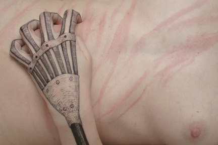 iheartmyart:  Lynn Palewicz, Raking, 2005, from the series, Skin drawings