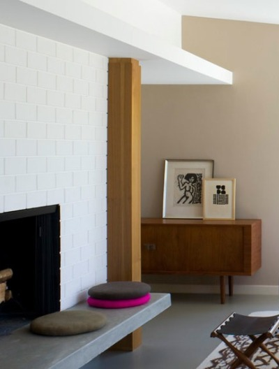 I like the white bricks + medium wood + concrete grey combi beautiful-soup:  (via thebrickhouse)
