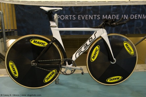 Sarah Hammer's Felt TK1 that she used to bring home a world title in the women's individual pursuit last week at UCI World Championships.  Featured on VeloNews.