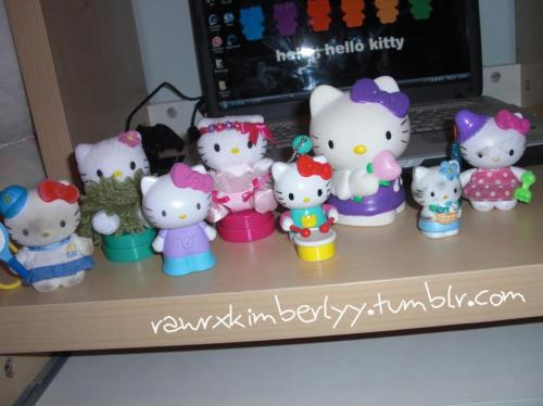 Hello Kitty Figures that I found lying in a box . Submitted by rawrxkimberlyy