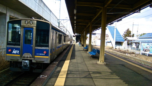 "kosmosxipo:  Kuragawa Trainstation, Morioka, Japan.  I may have been through here at least once, but I haven't. A lot of ""rural"" train stops look exactly like this."