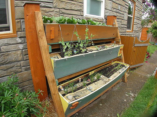 gardeninginheels:  HFW Victory Garden: Vertical Small Space Garden (via RR Anderson)