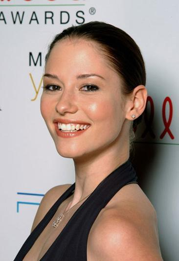 tumblr l0ox5ppVNY1qaq9hoo1 400 Chyler Leigh Admits To Hired Help