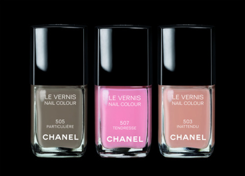 Just a bit of generic Chanel eye candy.  Apologies for the absence if anyone noticed - I hosted a dinner party and the queue ran out for 21 hours. THE HORROR!