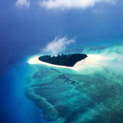 Mnembia Island off the coast of Tanzania by Eric Laforrgue Note: Not Photoshopped - this is a real heart-shaped island :)
