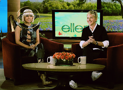 the-fame-factory:  Gaga on Ellen! I love that spinning thing on her head!!! (edit by me)