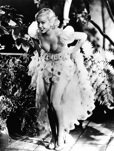 Toby Wing and her awesome dress - c. 1930s   (via mothgirlwings)