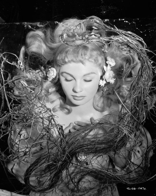 beautilation:  Jean Simmons as Ophelia in Hamlet (1948)