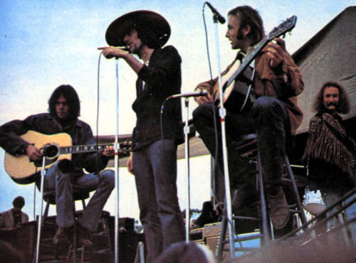 pieceofthesky:  CSNY Cool hat, Graham
