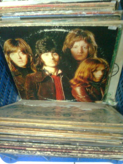 super ultra rare vintage vinyl Straight Up! from Badfinger. only for 40K IDR