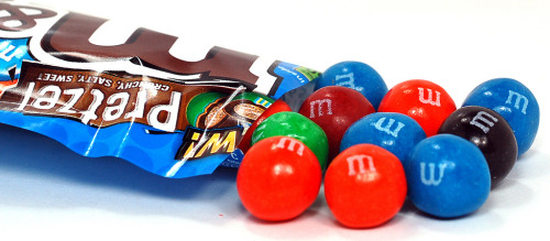 Pretzel M&M's (by SugarPressure.com)  :O pretzel M&M's!