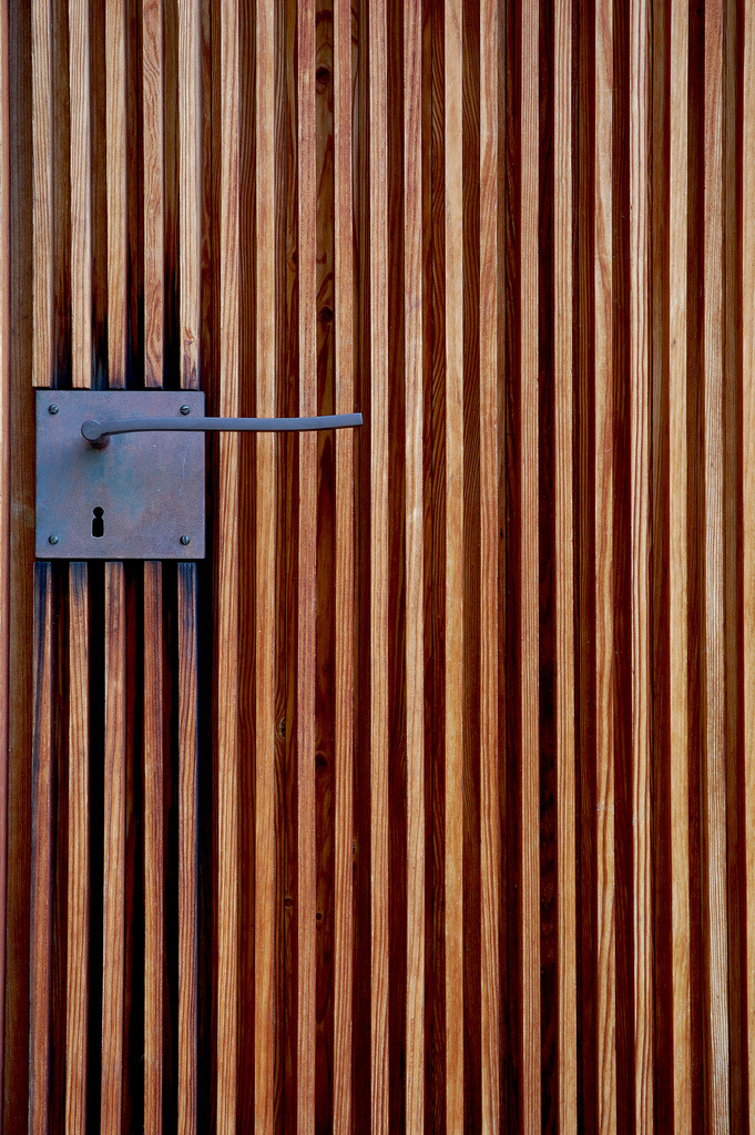 nickelsonwooster:  Detail. designcouncil:  valscrapbook:    Peter Zumthor - Door handle detail at the St. Bendict Chapel, Sumvitg 1989.    (via subtilitas)