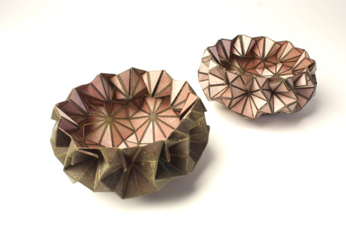 marisa-ramirez:  danawyn:  Anemone I and II — vessels made of plywood and polyester by Belgian artist/designer Tina de Ruysser. (Via Pleat Farm)