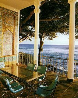 Shangri La's al fresco dining terrace overlooking the Pacific