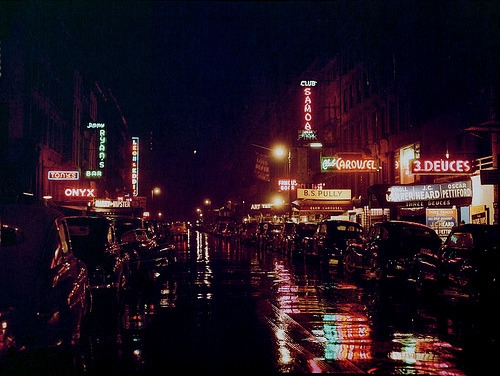 Photos of 1940's New York City. Wonderful indeed. (Via laughingsquid.)