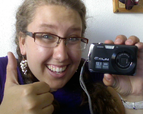 Yayy I got a new camera!! Now I don't have to worry about not getting amazing photos of Italy, Greece and of course Sevilla!!   What a great gift to myself :]]]
