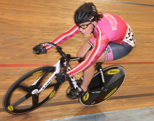 Photo by Pat Benson.  Here's Dena Eaton racing for She Pedals Cycling on her sweet Look during the Upgrade Races at LA Velodrome last Saturday.  She was the only Cat 1 racer competing that day, racing in the Men's Cat 3 field and in the Women's field.  Upgrade Race results have been posted on LA Velodrome's website.  They also FINALLY posted results for the last LAVRA Cup race day which was about three weeks ago.  The next race day in the LAVRA Cup series is this Saturday, May 1st.  Also, don't forget that LA Velodrome is  closed today for electrical repairs.
