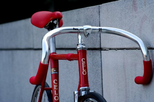 trackbicycles:  Celo. via LiteFM (nyc fixed)
