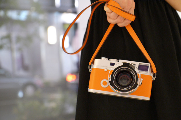 katespadeny:  taking pictures with a colorful camera makes it last much easier to live colorfully.  (via timetogetpaid)