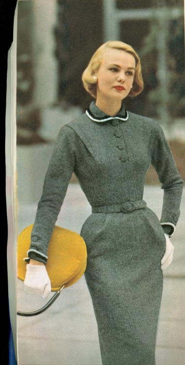 1950s grey dress with yellow purse