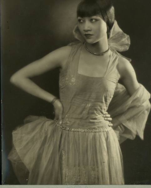 awesome as usual:Miss Anna May Wong [photographer unknown] also from LIFE