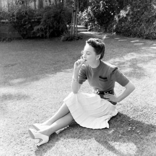 Another day in Olivia deHavilland's life~