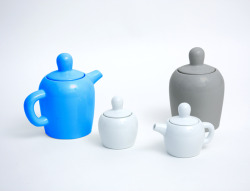 Pomperipossa tea set in porcelain by Swedish Jonas Wagell.