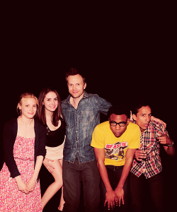 supercurtisman:  communitythings:  echofades:  Hello Alison's legs.   ^^