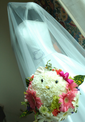 Hello Kitty Bouquet & Wedding Dresses  Submitted by missheilarose