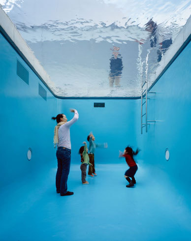 21st Century Museum of Contemporary Art, Kanazawa:The Swimming Pool Stunning. Brilliant. I want to go see it in person!