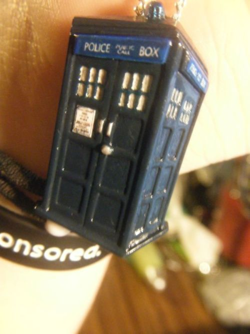 youaremagnificent:I got this TARDIS necklace from The Clay Pony on Etsy.  It